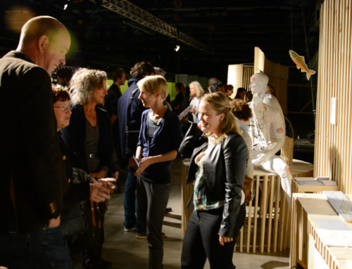 Willemieke van den Brink op podium Dutch Design Week